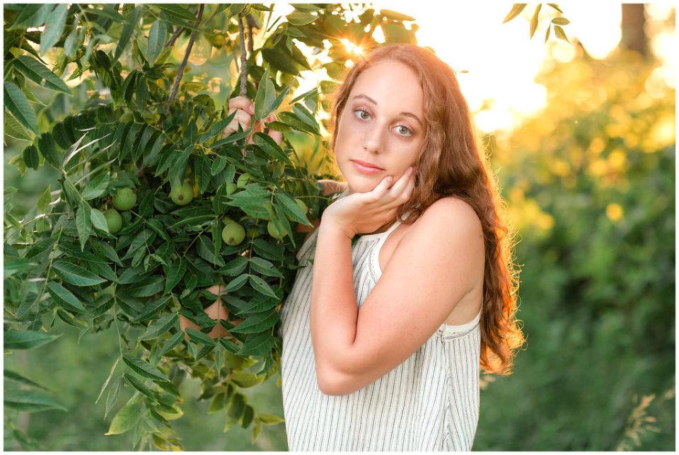Senior photos golden hour | senior poses | Iowa Senior Photographer | CB Studio